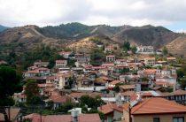 Деревня Какопетрия в предгорьях Троодоса