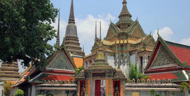 Ват Пхо или Храм Лежащего Будды в Бангкоке